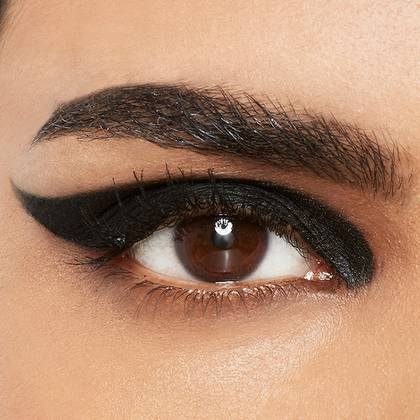 maybelline-eyeliner-thick-wing-look-1x1